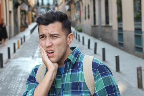 4 Reasons for Same-Day Teeth Extraction